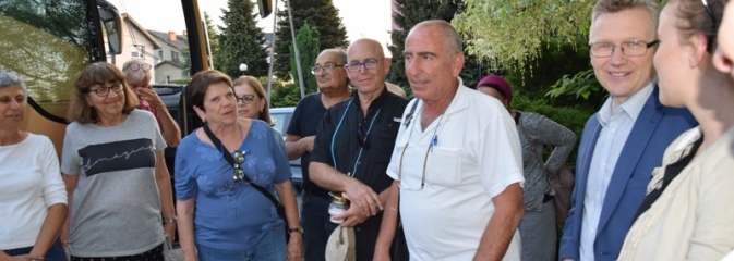 Kolejna wizyta izraelskich gości na Grobie Ofiar Marszu Śmierci w Mszanie - Serwis informacyjny z Wodzisławia Śląskiego - naszwodzislaw.com