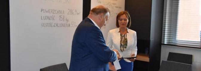 Nowa naczelnik Wydziału Rady i Zarządu Powiatu - Serwis informacyjny z Wodzisławia Śląskiego - naszwodzislaw.com