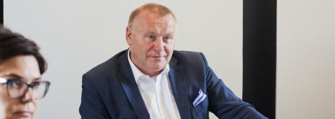 Starosta Serwotka z mniejszym wynagrodzeniem – taką decyzję podjęli wczoraj radni powiatowi - Serwis informacyjny z Wodzisławia Śląskiego - naszwodzislaw.com