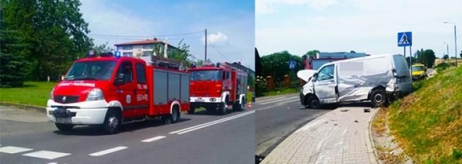 Zderzenie seata z transporterem. W jednym z samochodów podróżowało roczne dziecko - Serwis informacyjny z Wodzisławia Śląskiego - naszwodzislaw.com