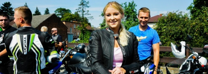 Odpustowa parada motocyklistów w Pogrzebieniu - Serwis informacyjny z Wodzisławia Śląskiego - naszwodzislaw.com