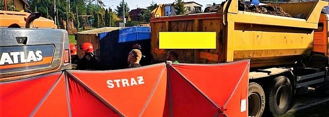 Kierowca ciężarówki zginął przygnieciony przez samochód - Serwis informacyjny z Wodzisławia Śląskiego - naszwodzislaw.com