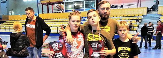 Medale Octagon Team Junior na turnieju BJJ w Chorzowie - Serwis informacyjny z Wodzisławia Śląskiego - naszwodzislaw.com