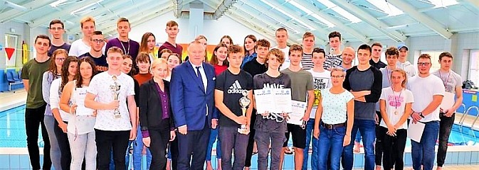 Zawody pływackie o Puchar Starosty na Mancie - Serwis informacyjny z Wodzisławia Śląskiego - naszwodzislaw.com