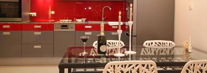 Krzesła z tworzyw sztucznych – idealny wybór do Twojej kuchni! - Serwis informacyjny z Wodzisławia Śląskiego - naszwodzislaw.com