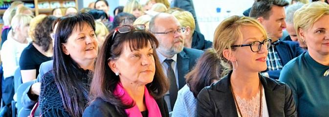 Szkoła w dobie pokolenia Z. X Regionalne Forum Edukacyjne w Wodzisławiu Śląskim - Serwis informacyjny z Wodzisławia Śląskiego - naszwodzislaw.com