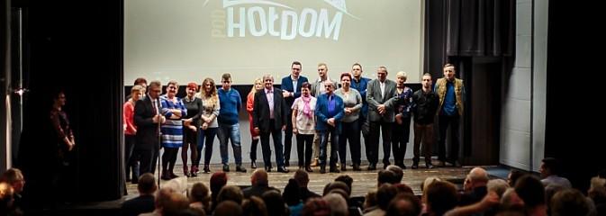 Premiera amatorskiego filmu Pod hołdom - Serwis informacyjny z Wodzisławia Śląskiego - naszwodzislaw.com