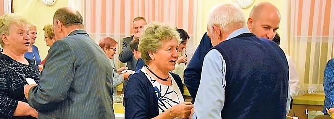 Seniorzy z Gogołowej połamali się opłatkiem i wspólnie kolędowali - Serwis informacyjny z Wodzisławia Śląskiego - naszwodzislaw.com