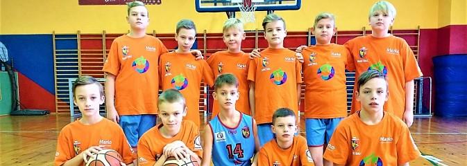 Młodzi koszykarze MKS Wodzisław na turnieju w Otmuchowie - Serwis informacyjny z Wodzisławia Śląskiego - naszwodzislaw.com