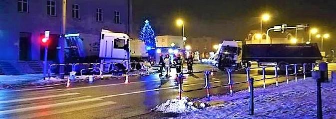 Poranne zderzenie dwóch ciężarówek w Rydułtowach - Serwis informacyjny z Wodzisławia Śląskiego - naszwodzislaw.com
