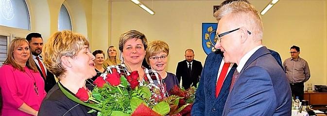 V sesja Rady Gminy Mszana. Życzenia i kwiaty dla sołtysów - Serwis informacyjny z Wodzisławia Śląskiego - naszwodzislaw.com