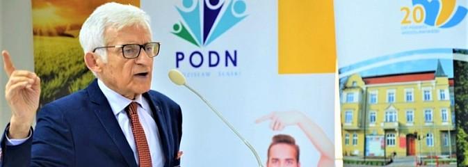 Prof. Buzek w Wodzisławiu Śl. o Europie i młodzieży - Serwis informacyjny z Wodzisławia Śląskiego - naszwodzislaw.com