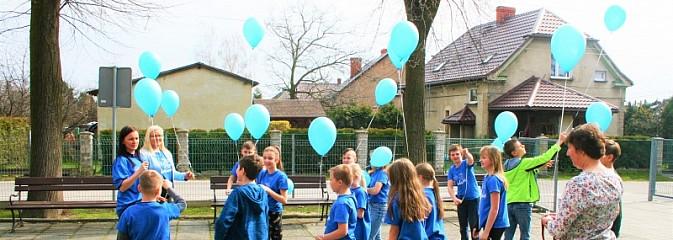 Światowy Dzień Autyzmu w szkole podstawowej w Czyżowicach - Serwis informacyjny z Wodzisławia Śląskiego - naszwodzislaw.com