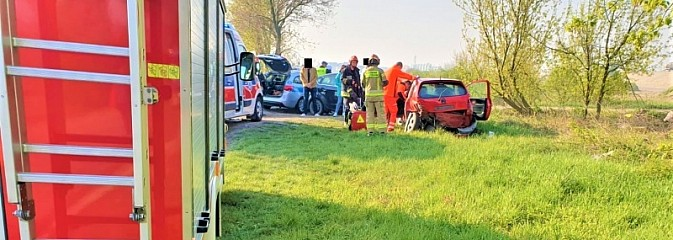 Zderzenie na trasie Racibórz-Lubomia [FOTO] - Serwis informacyjny z Wodzisławia Śląskiego - naszwodzislaw.com