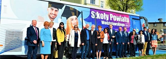 Promocyjny autobus wyruszył w trasę - Serwis informacyjny z Wodzisławia Śląskiego - naszwodzislaw.com