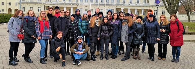 Uczniowie wodzisławskiego I LO z wizytą na Litwie - Serwis informacyjny z Wodzisławia Śląskiego - naszwodzislaw.com