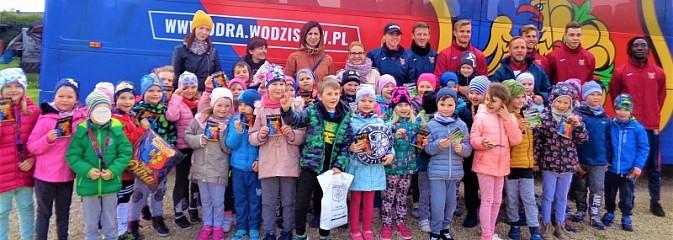 Przedszkolaki z wizytą w Akademii Odry Wodzisław - Serwis informacyjny z Wodzisławia Śląskiego - naszwodzislaw.com