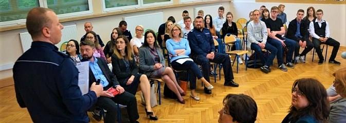 W PCKZiU debatowali o tym, jak walczyć z hejtem w Internecie - Serwis informacyjny z Wodzisławia Śląskiego - naszwodzislaw.com