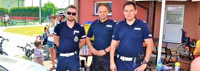 Bezpiecznie z drogówką. Mundurowi na pikniku rodzinnym - Serwis informacyjny z Wodzisławia Śląskiego - naszwodzislaw.com
