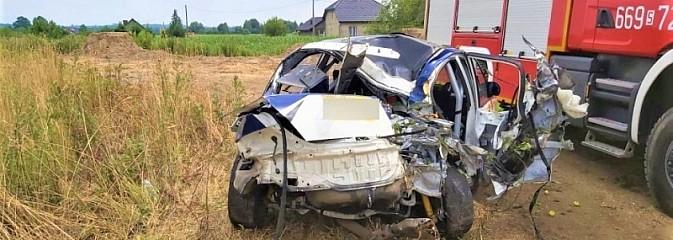 Poślizg przyczyną wypadku w Bełsznicy - Serwis informacyjny z Wodzisławia Śląskiego - naszwodzislaw.com
