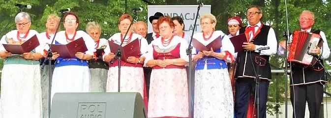 KGW Połomia i zespół śpiewaczy Mszanianka reprezentowały gminę w Wolbórzu - Serwis informacyjny z Wodzisławia Śląskiego - naszwodzislaw.com
