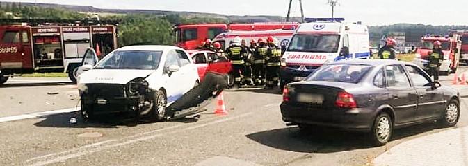 Nie ustąpił pierwszeństwa - dwie osoby trafiły do szpitala - Serwis informacyjny z Wodzisławia Śląskiego - naszwodzislaw.com