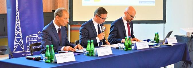 ŚZGiP dyskutował na temat 21 tez samorządowych - Serwis informacyjny z Wodzisławia Śląskiego - naszwodzislaw.com