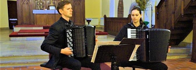 Duo Accosphere zagrało w Wodzisławiu Śląskim - Serwis informacyjny z Wodzisławia Śląskiego - naszwodzislaw.com
