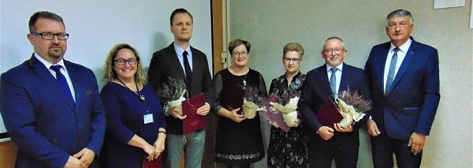 Nauczyciele z gminy Godów z medalami - Serwis informacyjny z Wodzisławia Śląskiego - naszwodzislaw.com