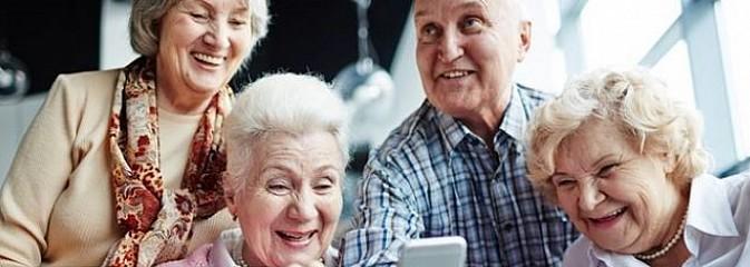 Ministerstwo Cyfryzacji zachęca seniorów do korzystania z e-usług - Serwis informacyjny z Wodzisławia Śląskiego - naszwodzislaw.com