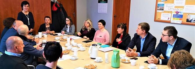 W wodzisławskim urzędzie pracy dyskutowano o integrowaniu obcokrajowców - Serwis informacyjny z Wodzisławia Śląskiego - naszwodzislaw.com