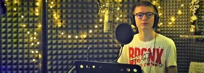 Uczestnik II edycji The Voice Kids dołączył do #Hot16Challenge2 [WIDEO] - Serwis informacyjny z Wodzisławia Śląskiego - naszwodzislaw.com