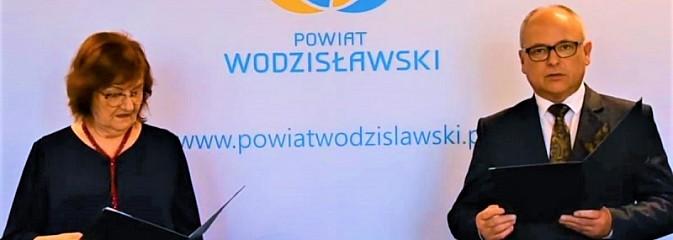 Poznajcie najlepszych uczniów powiatu wodzisławskiego [WIDEO] - Serwis informacyjny z Wodzisławia Śląskiego - naszwodzislaw.com