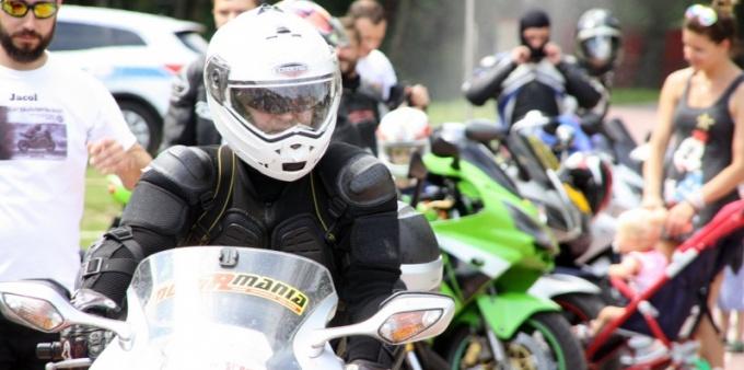 Motocykliści opanowali Trzy Wzgórza