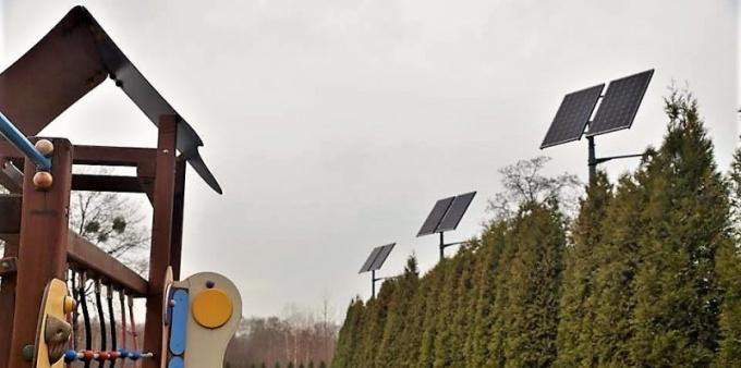 Oświetlenie solarne przy szkołach